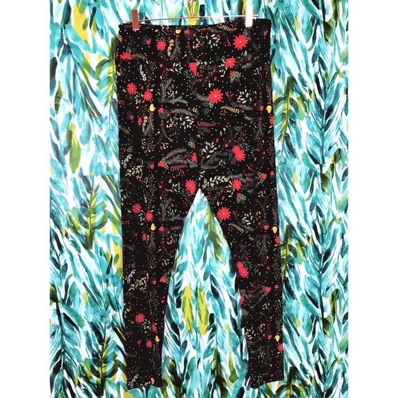 LuLaRoe Pants - LuLaRoe Woman's Tall & Curvy TC Holiday Leggings